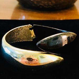 Jewelry - Vintage gold & black hinged cuff